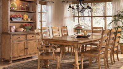 Деревянные столы в Калининграде