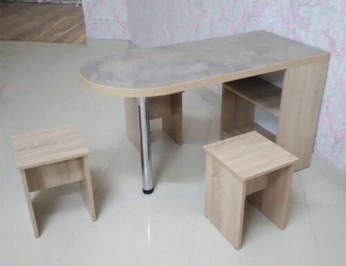 Стол в Калининграде